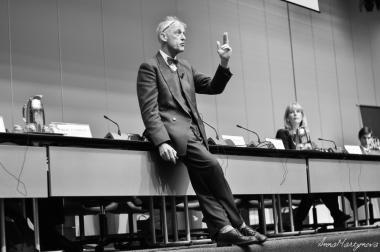 Peter van KRIEKEN, Professor of International Law, The Hague University of Applied Sciences : Unity, reunion, formation and reunification: The subtle differences