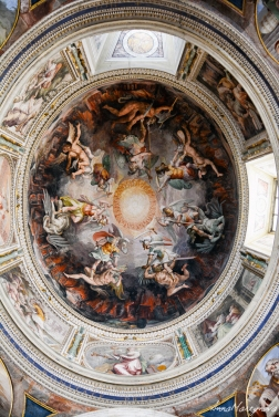 Ceiling of one of the rooms in Vatican Museum