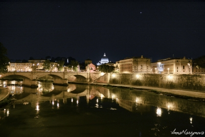 Late evening city view over Tevere River